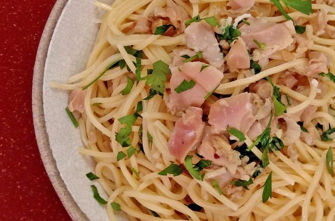 Spaghetti and Clams // Tiny Kitchen Big Taste