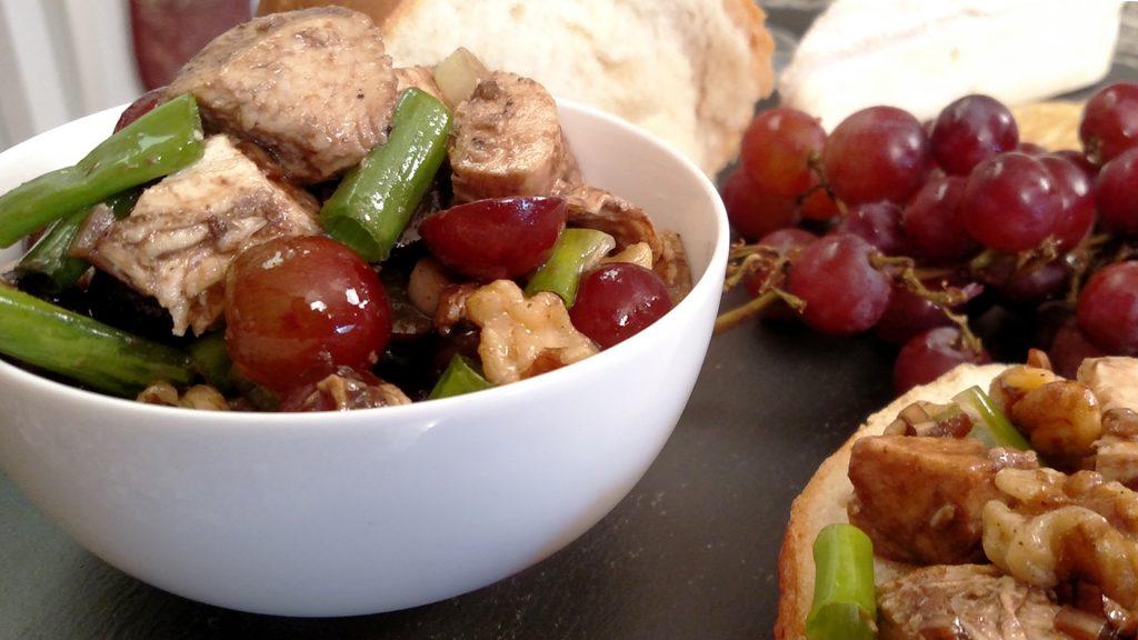 Balsamic Chicken Walnut Salad // Tiny Kitchen Big Taste