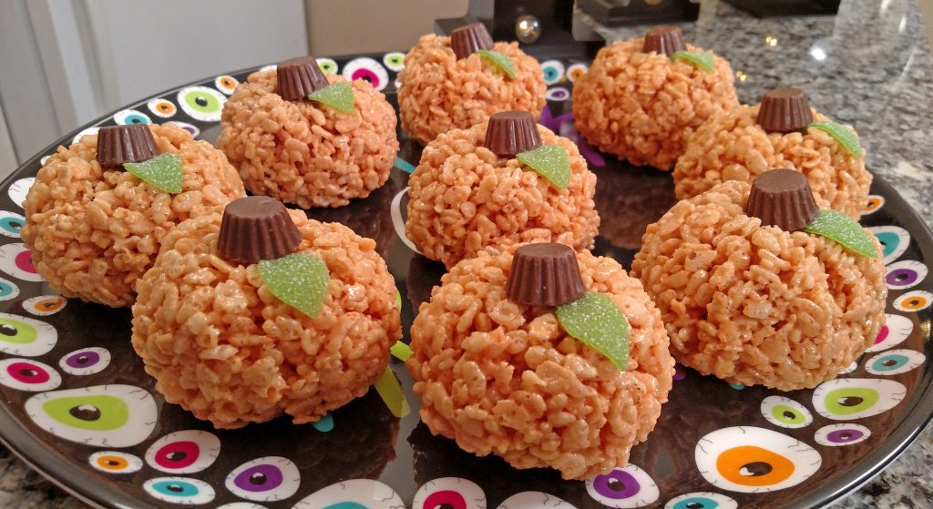 Pumpkin Rice Krispies Treats // Tiny Kitchen Big Taste