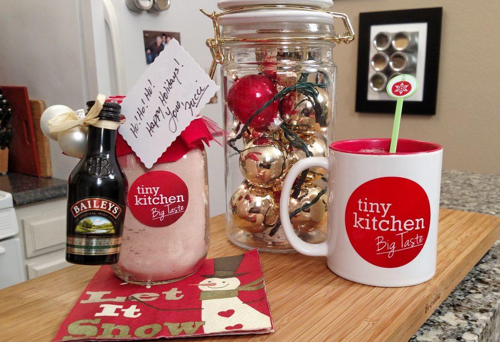 Homemade Hot Cocoa Mix // Tiny Kitchen Big Taste