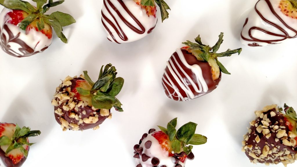 Chocolate Covered Strawberries // Tiny Kitchen Big Taste